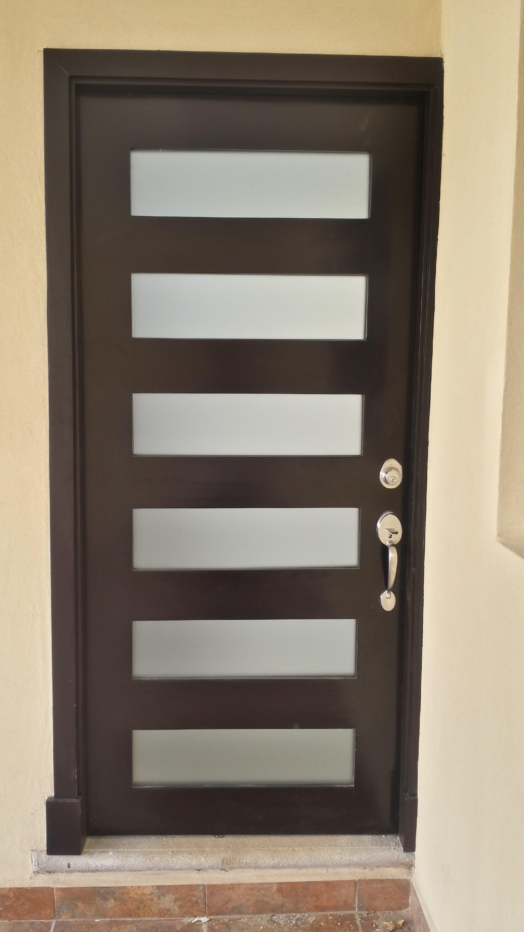 Modelos de puertas de madera puertas de madera a la for Modelos d puertas